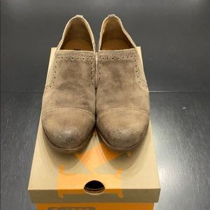 Kork-Ease Shoes - Slightly worn Korks taupe suede ankle boots